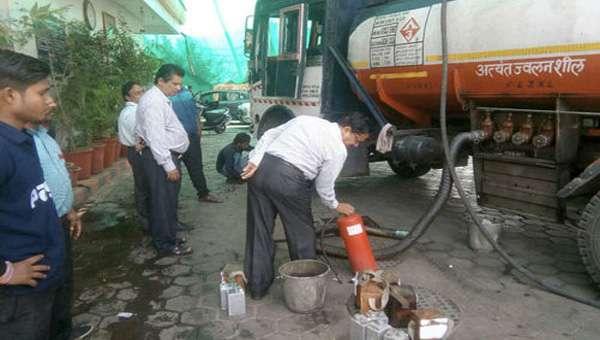indore petrol pump check